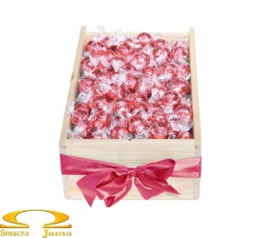 Skrzynka pralinek Lindt Lindor Strawberries & Cream 1kg